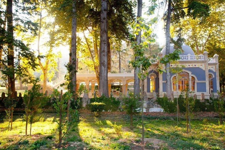 100ヘクタールの森に佇む宮殿のような「ヴィダゴ・パレス」