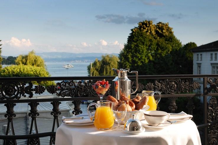美しい眺望と伝統と格式溢れるチューリッヒの「ボー・オー・ラック」