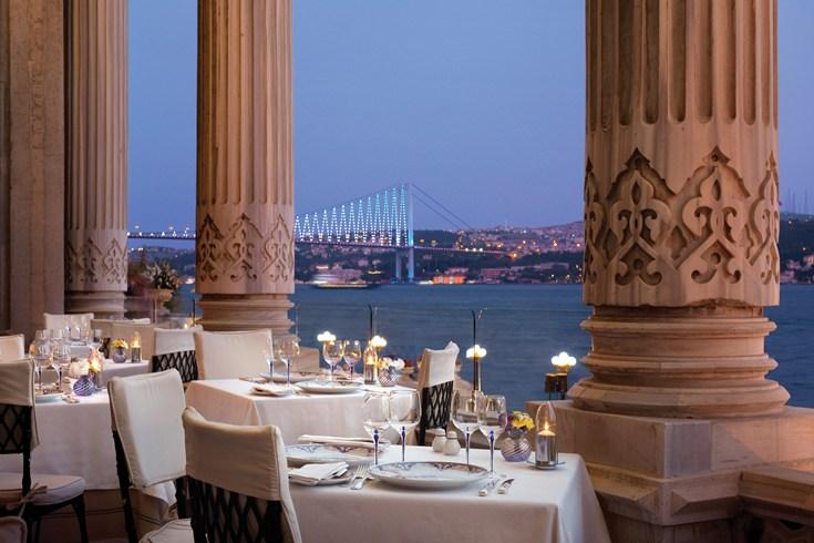 チュラーン・パレス・ケンピンスキー・イスタンブール Ciragan Palace Kempinski Istanbulのレストラン
