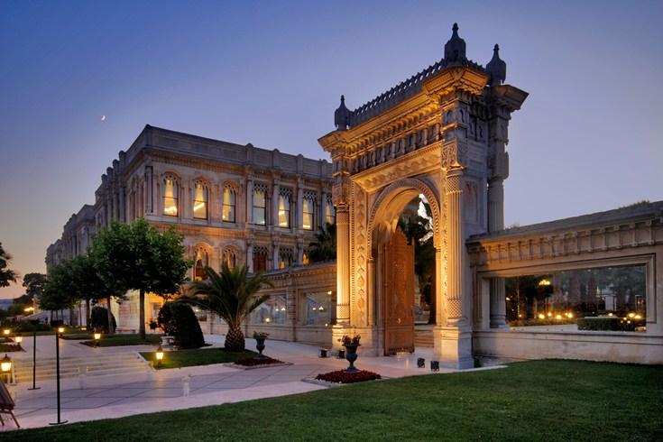 チュラーン・パレス・ケンピンスキー・イスタンブール Ciragan Palace Kempinski Istanbulのゲート