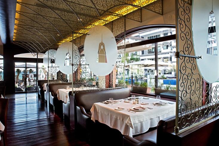 グランド・レジデンス・リビエラ・カンクン Grand Residences Riviera Cancunのレストラン