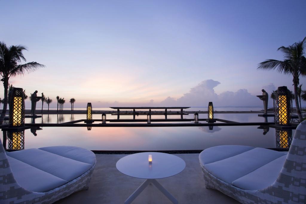 ヌサドゥア・ベイのビーチに建つ美しきリゾート「ザ・ムリア」