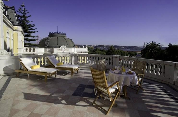 ペスターナ・パレス・ホテル&ナショナル・モニュメント Pestana Palace Hotel & National Monumentの客室のテラス