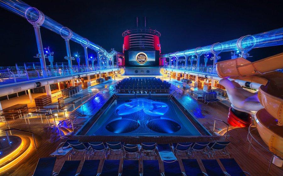 ディズニー・クルーズ Disney Cruise Lineの船内