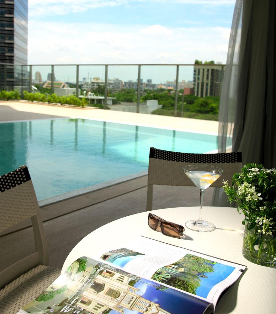 オリエンタル・レジデンス・バンコク Oriental Residence Bangkokのプールサイド
