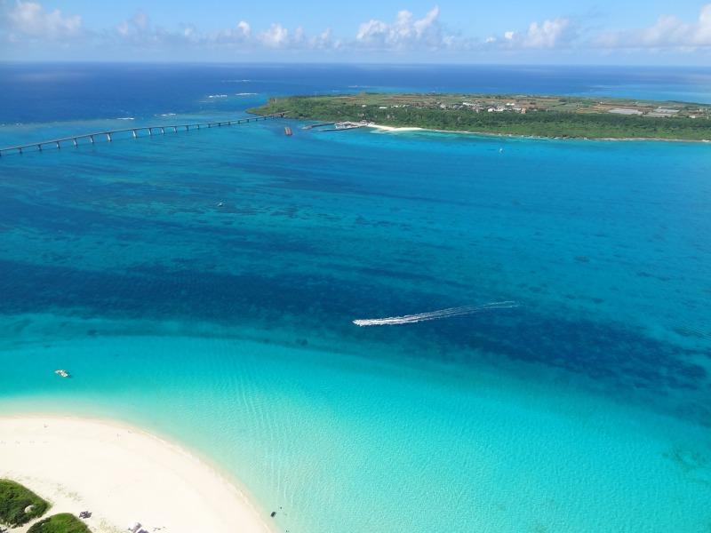 日本一のビーチに、絶景ドライブ。魅力溢れる沖縄の離島「宮古島」