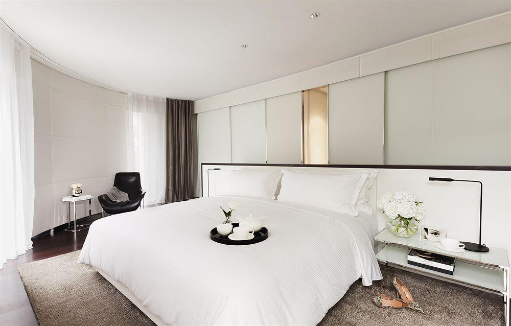 ミーロンドンホテルのスイートベッドルーム