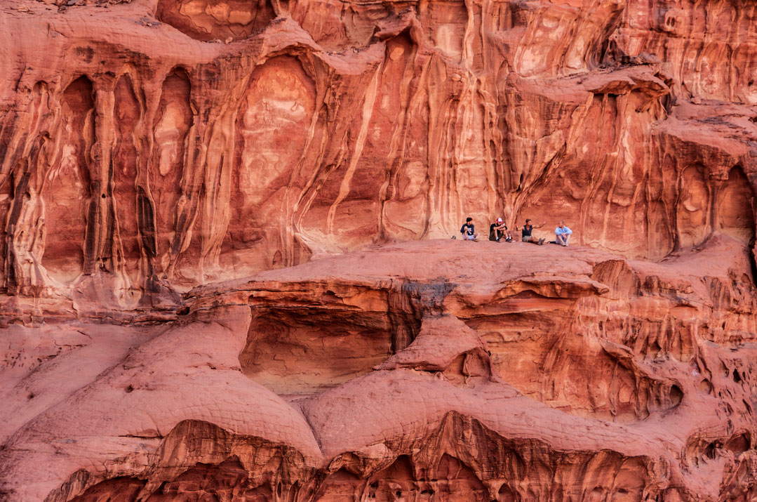 ワディラムの岩上の風景