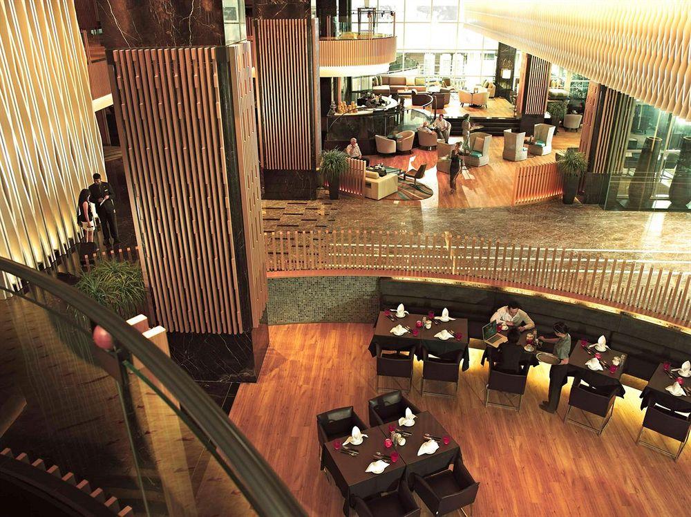 オーチャード・ロードの中心部に位置するエレガントな五つ星ホテル「パン・パシフィック・オーチャード」