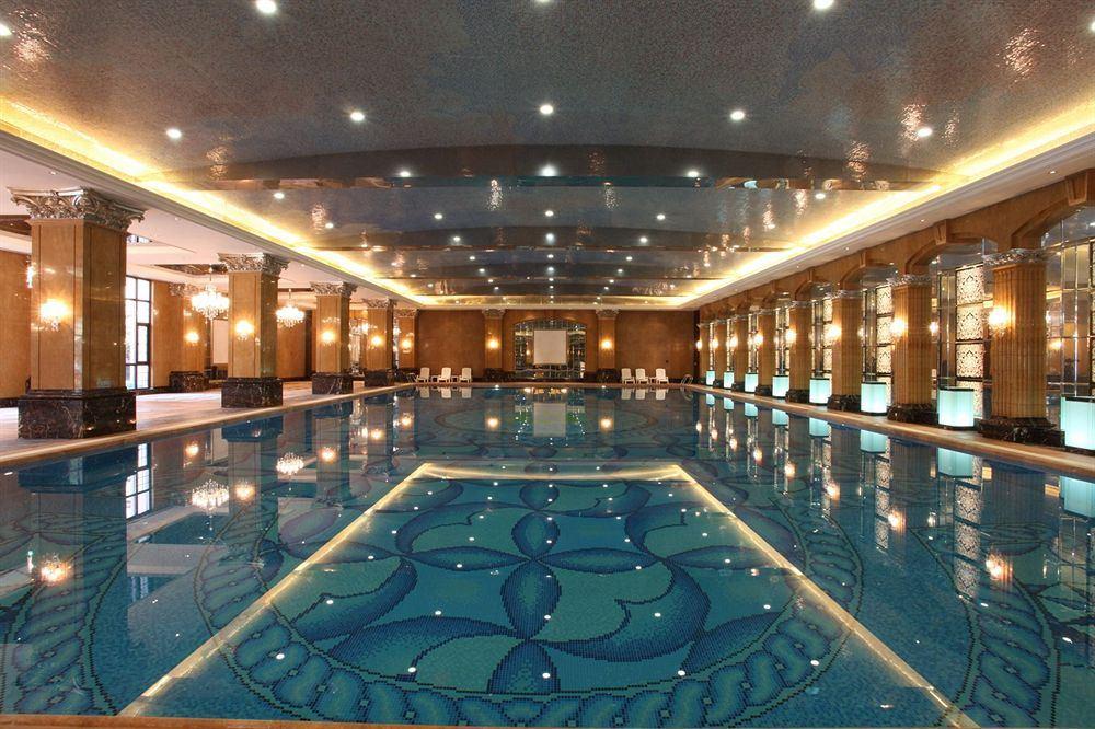 シャトー・スター・リバー・プドン・上海 Chateau Star River Pudong Shanghai 上海浦東星河湾酒店のスパプール