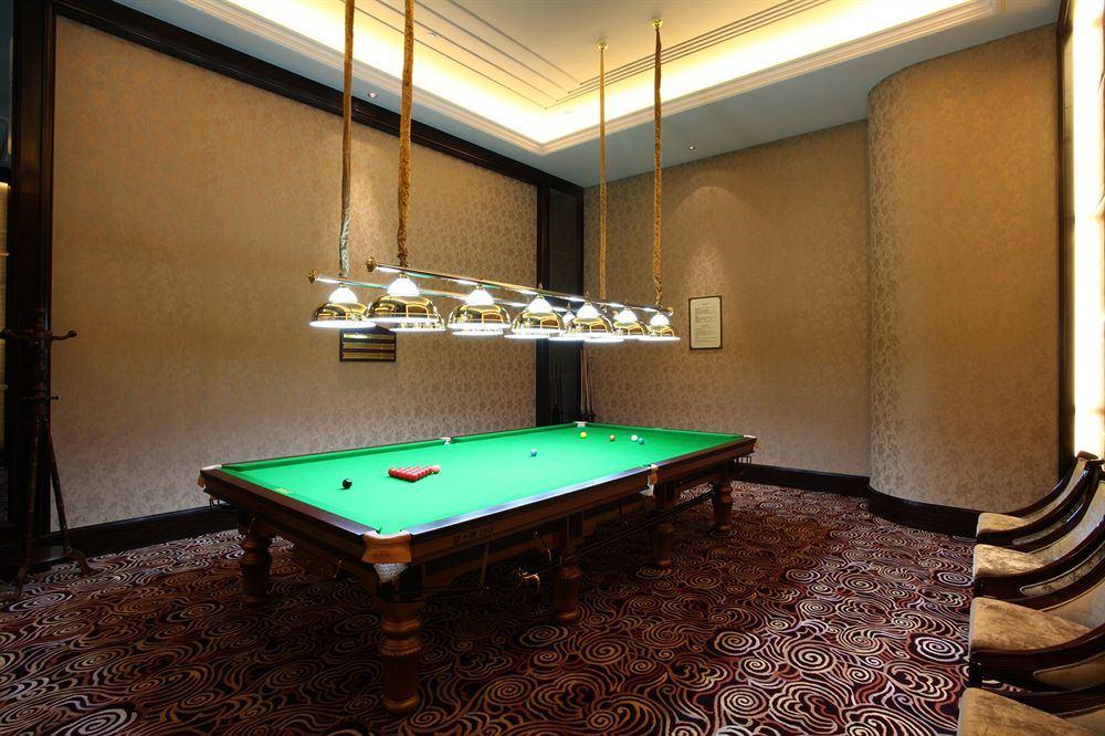 シャトー・スター・リバー・プドン・上海 Chateau Star River Pudong Shanghai 上海浦東星河湾酒店のビリヤード