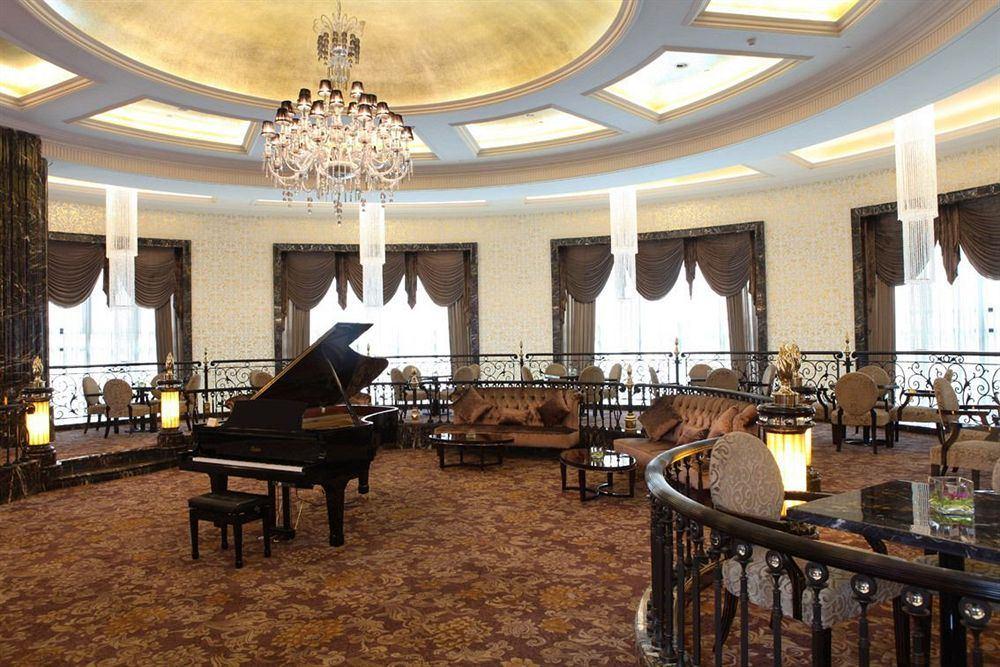 シャトー・スター・リバー・プドン・上海 Chateau Star River Pudong Shanghai 上海浦東星河湾酒店のロビー