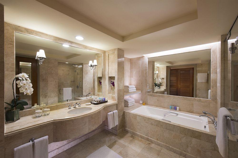 コンラッド・センテニアル・シンガポール Conrad Centennial Singaporeの客室バスルーム