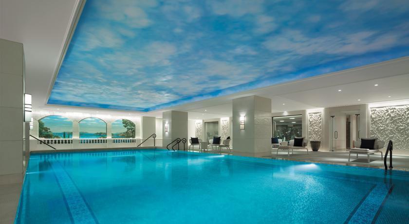 シャングリ・ラ・ボスポラス・イスタンブールののプール