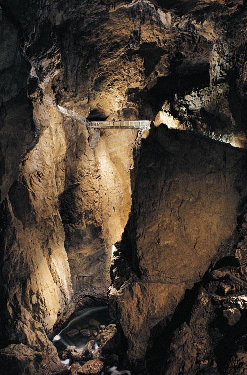 シュコツィアン洞窟群の景色