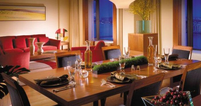 フォーシーズンズ・ホテル・ロンドン・アット・カナリーワーフのワンベッドルーム・ペントハウス・スイート