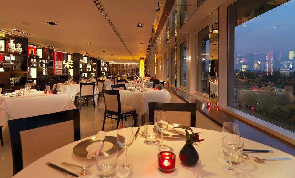 ロイヤル・ガーデン・ホテルのレストラン