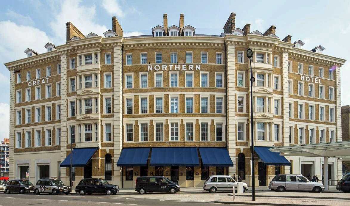 ヨーロッパ各国へアクセス可能なキングスクロス駅の近くに建つ「グレート・ノーザン・ホテル」