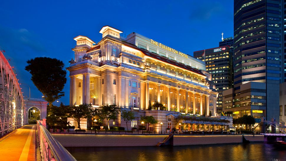 重厚感ある宮殿風の外観が素晴らしい「ザ・フラートン・ホテル・シンガポール」