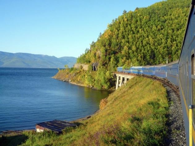 ゴールデン・イーグル号とバイカル湖
