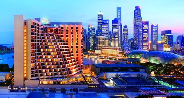 マンダリン・オリエンタル・シンガポール Mandarin Oriental Singaporeのスイミングプール