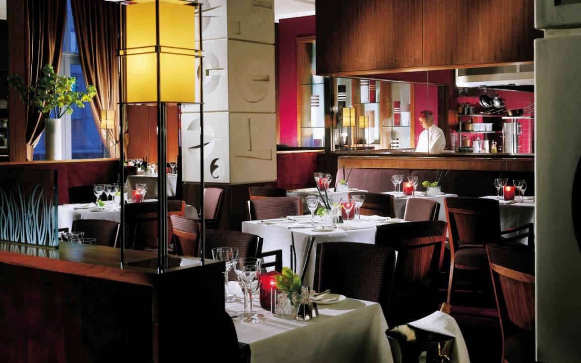 フォーシーズンズ・ホテル・ロンドン・アット・カナリーワーフのレストラン
