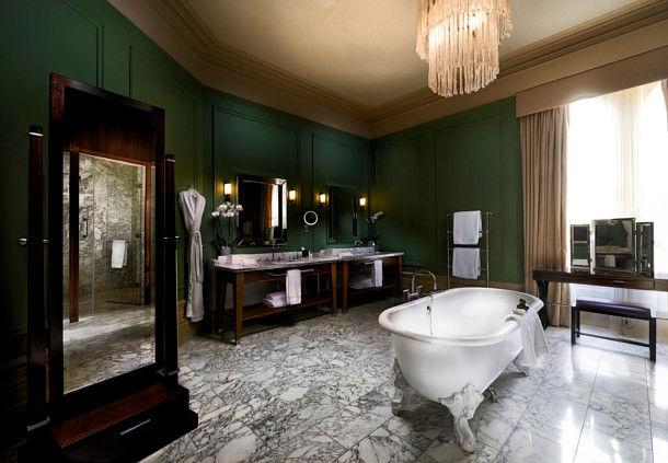 セント・パンクラス・ルネッサンス・ロンドン・ホテルの客室バスルーム