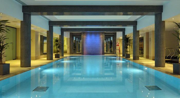 グランジセントポールホテルのプール