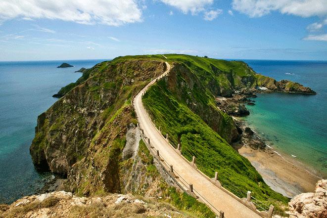 英国で最も美しい透明度の高いビーチが点在している「チャンネル諸島」