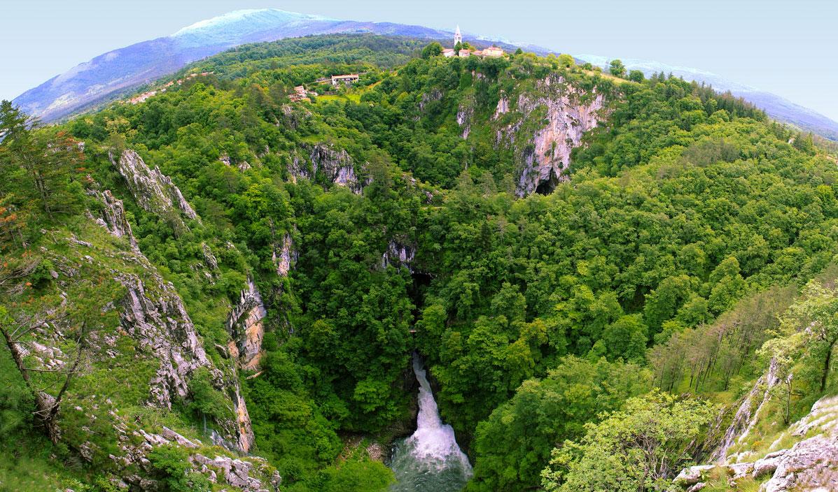 シュコツィアン洞窟群の全体図