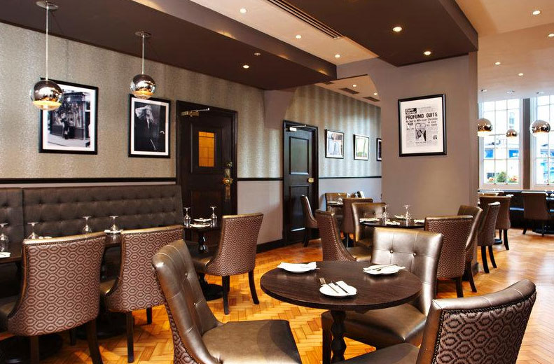 コートハウス・ホテルのカーナビーレストラン