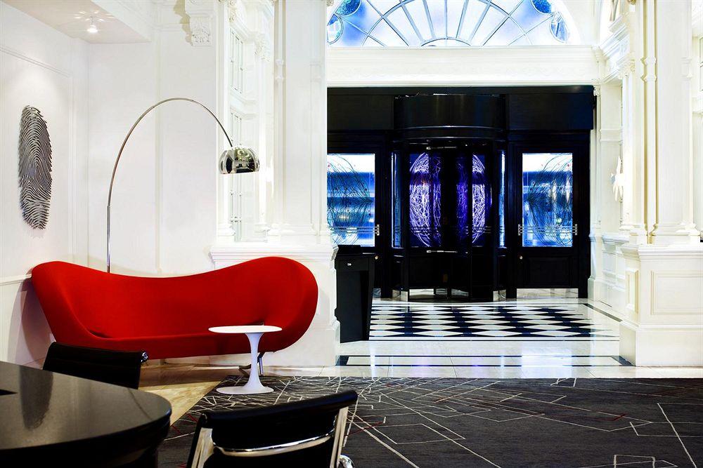 ルメリディアンピカデリーホテルのエントランス