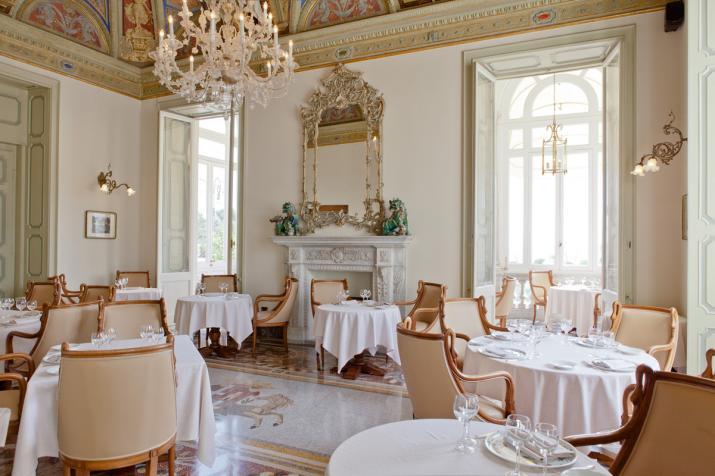 インペリアル・パレス・ホテル Imperiale Palace Hotelのレストラン
