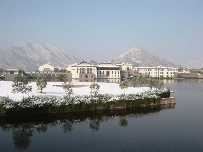 丘陵の茶畑に囲まれた閑静で美しい「フーチュン・リゾート」