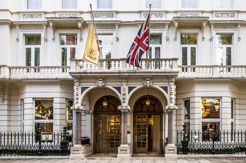 宮殿のようなラウンジを誇る煌びやかな「ザ・ベントレー・ロンドン」