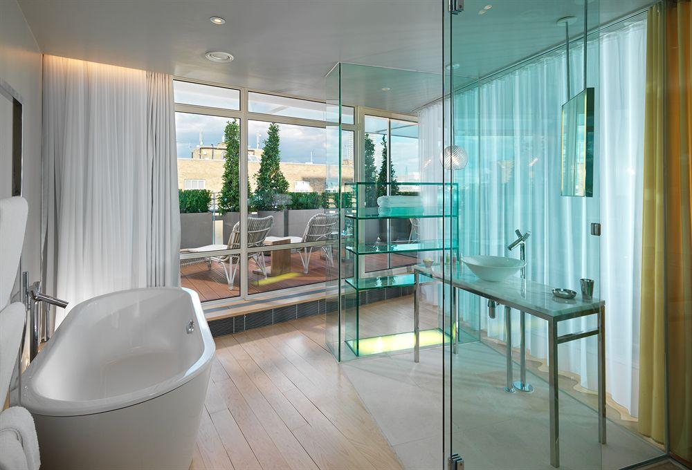 サンダーソンのロフトスイートテラスのバスルーム