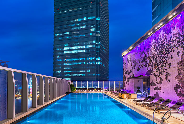 Wホテル香港の屋外プール