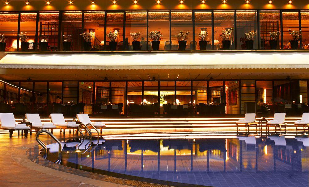 街の中心オーチャードに佇む、高級感あふれる5つ星ホテル「リージェント・シンガポール」