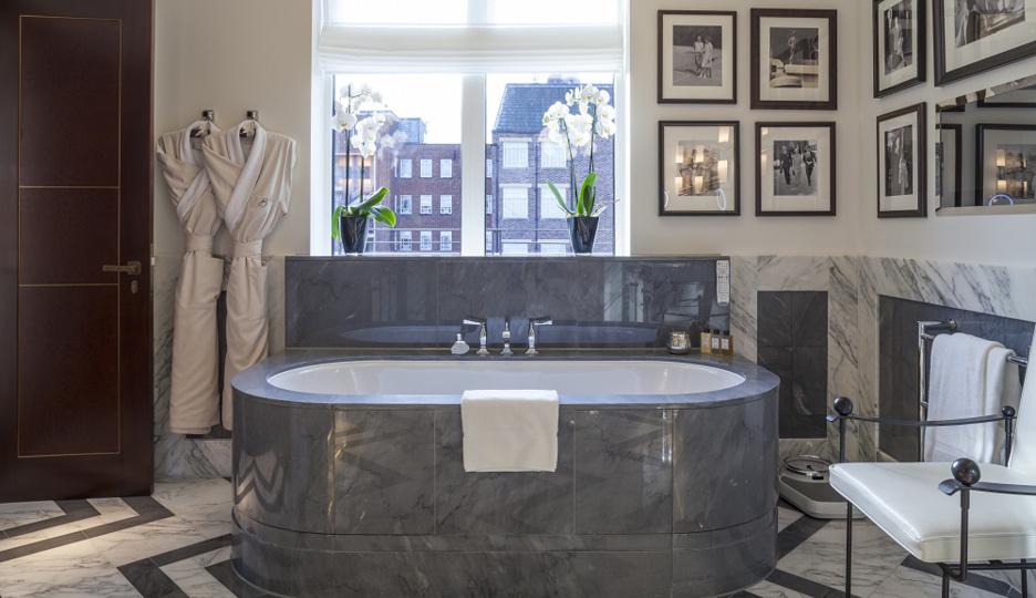 ザ・ボーモントのthe-roosevelt-suiteのバスルーム