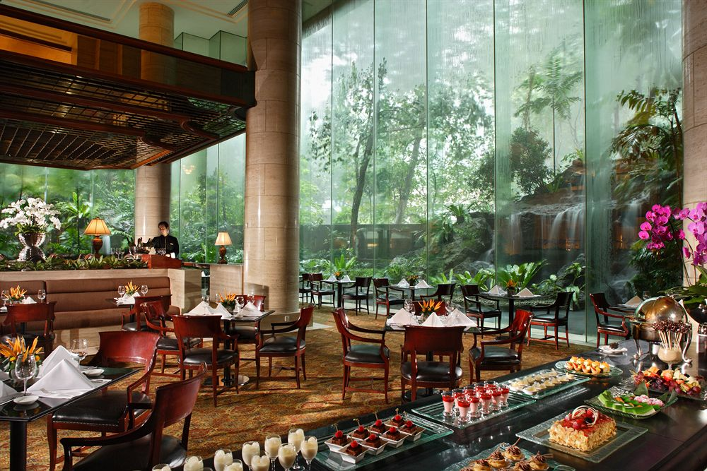 シェラトン・タワーズ・シンガポール Sheraton Towers SingaporeのレストランThe Dining Room
