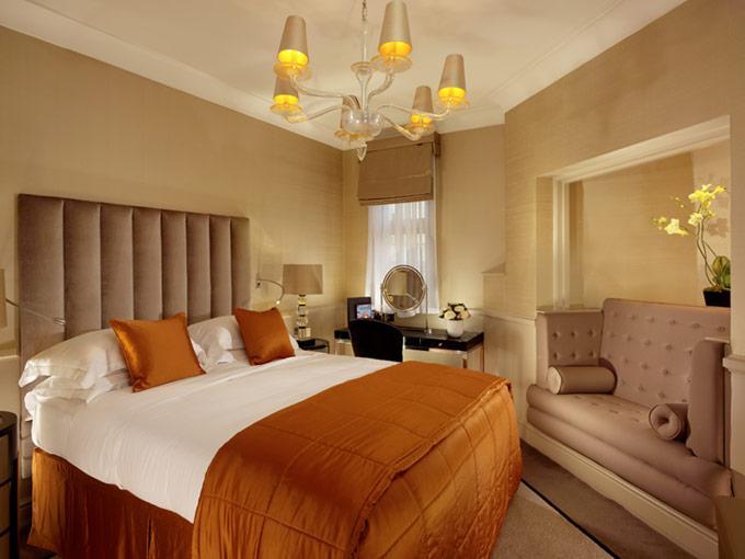 セント・ジェームズ・ホテル&クラブのSuperior-Bedroom