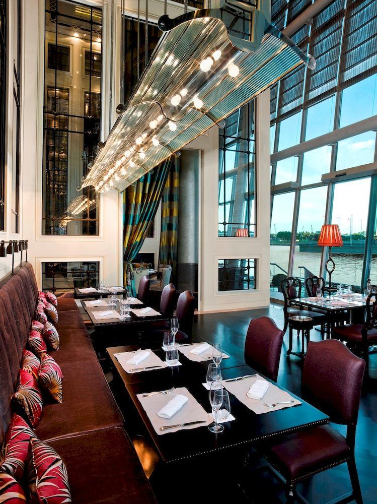 ザ・フラートン・ベイ・シンガポール The Fullerton Bay Hotel Singaporeのレストラン:ラ・ブラッセリー
