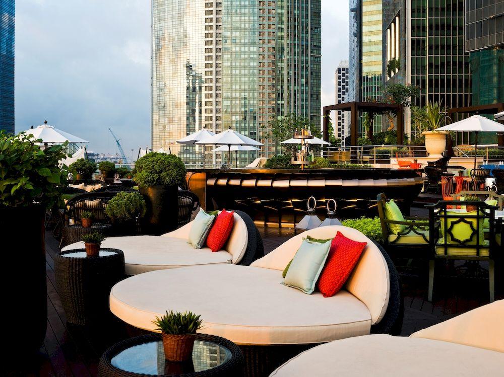 ザ・フラートン・ベイ・シンガポール The Fullerton Bay Hotel Singaporeのプールバー:ランタン