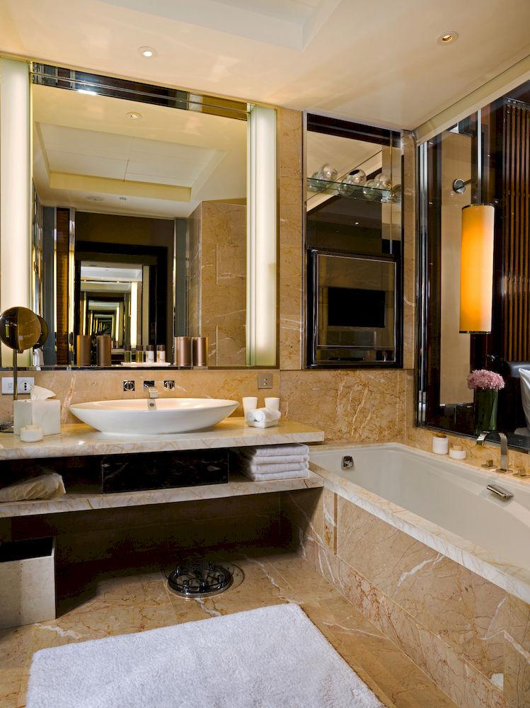 ザ・フラートン・ベイ・シンガポール The Fullerton Bay Hotel Singaporeの客室バスルーム