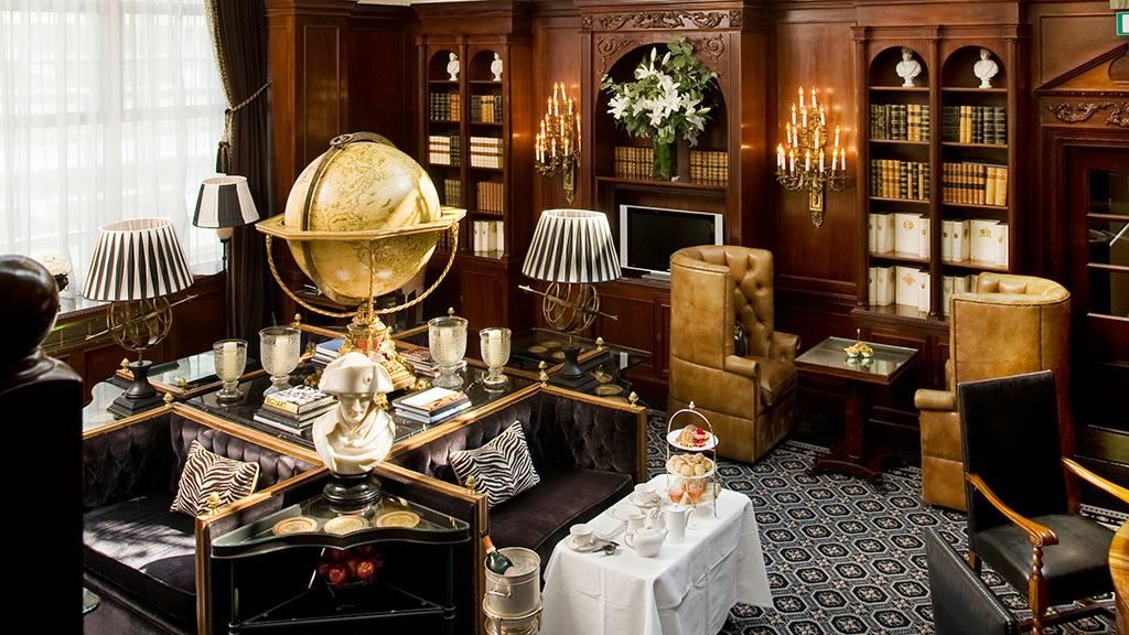 英国のクラシックな内装を誇りつつ最高のサービスとおもてなしが魅力的な「ホテル41」