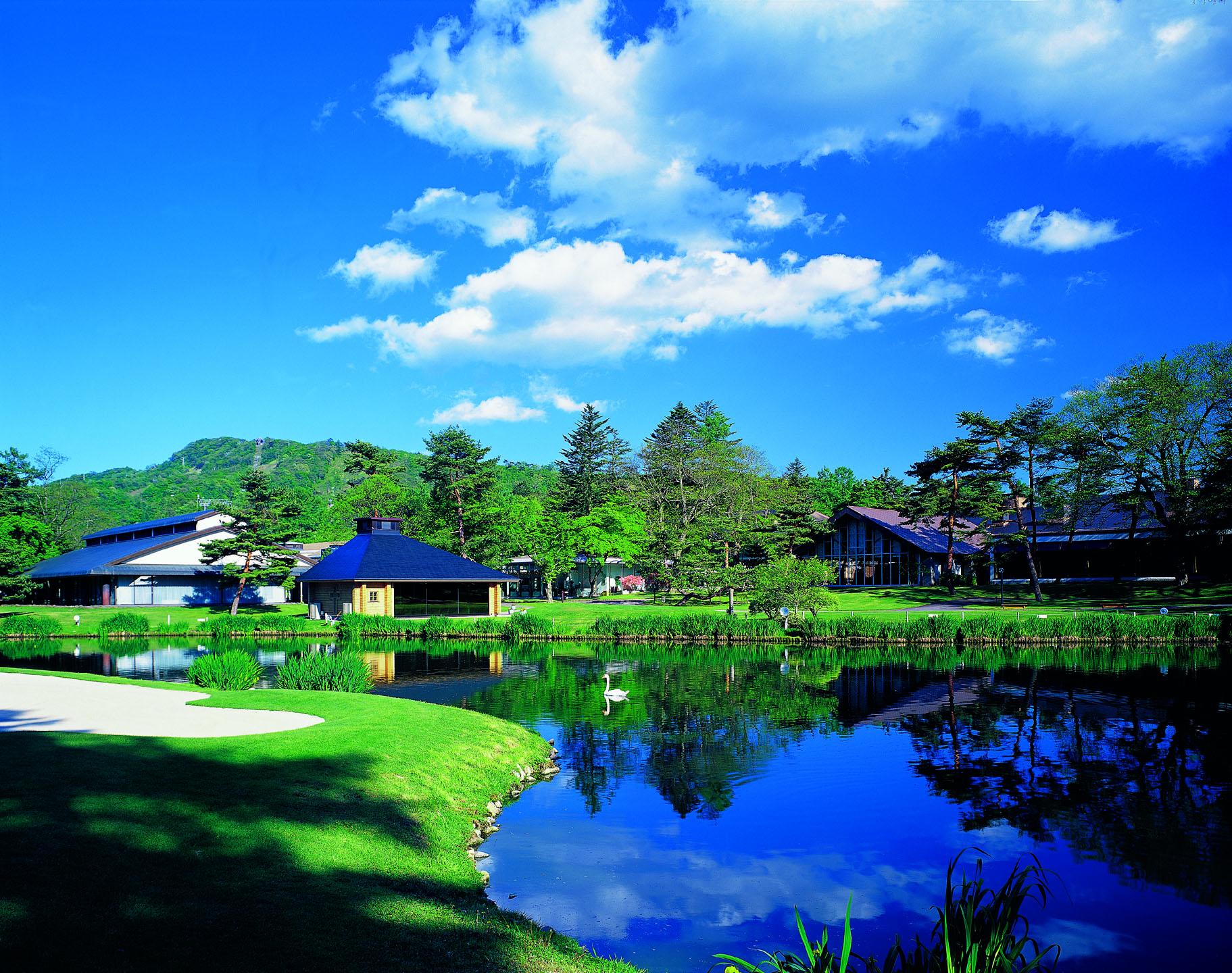避暑地で過ごす優雅な大人の時間「軽井沢」を満喫しよう