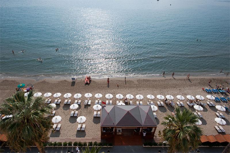 グランド・ホテル・アラッシオ Grand Hotel Alassioのビーチ