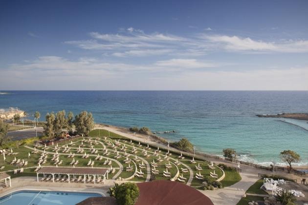 カポ・ベイ・ホテルと地中海