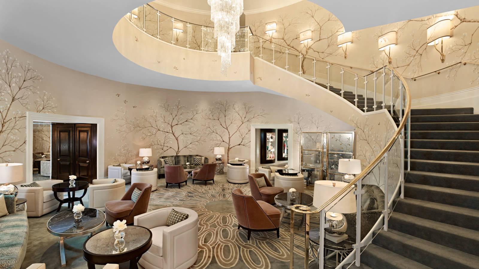ザ・パークタワー・ナイツブリッジ・ラグジュアリー・コレクション・ホテルのナイツブリッジラウンジ