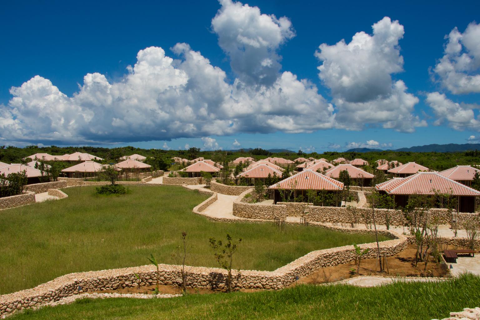 美しき離島の空気、食材、自然を満喫する「星のや竹富島」